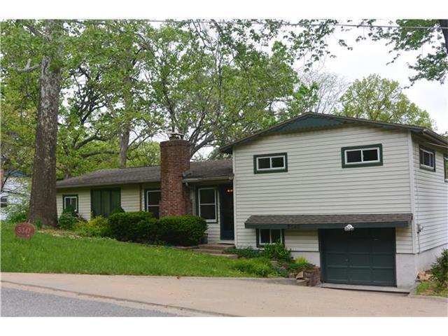 5347 NW Edgewood Cir, Kansas City MO 64151