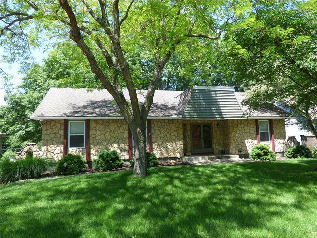 1113 SW 19th St, Blue Springs MO 64015