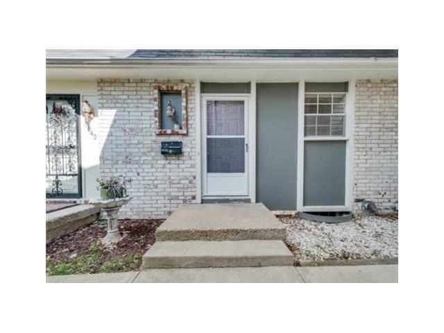 6940 Chapel Woods Ln Kansas City, MO 64152