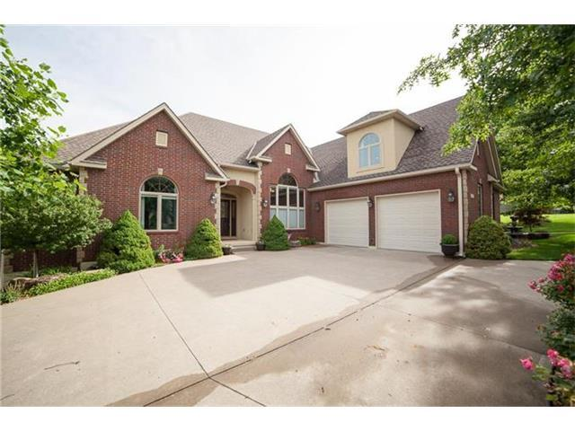 1713 SW 24th St Blue Springs, MO 64015