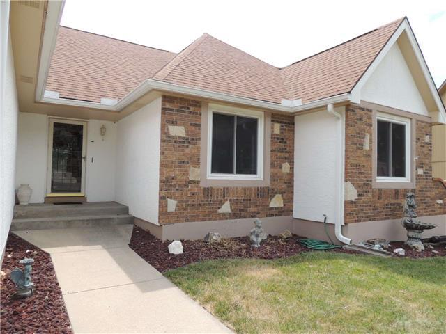 2108 SW 22nd Ter Blue Springs, MO 64015