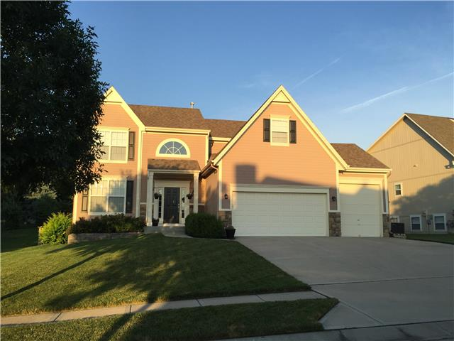609 S Franklin St Raymore, MO 64083