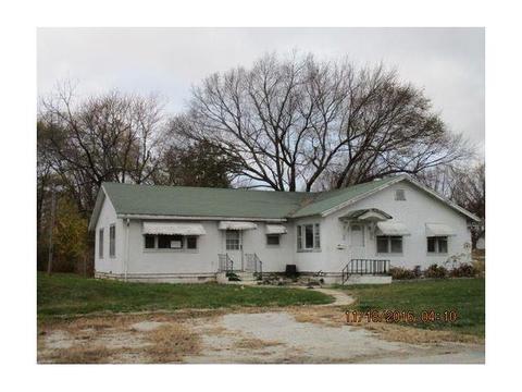 315 N 17th St, Unionville, MO 63565