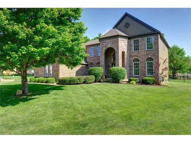 Astounding 277 Homes For Sale In Leawood Ks Leawood Real Estate Movoto Hairstyles For Men Maxibearus