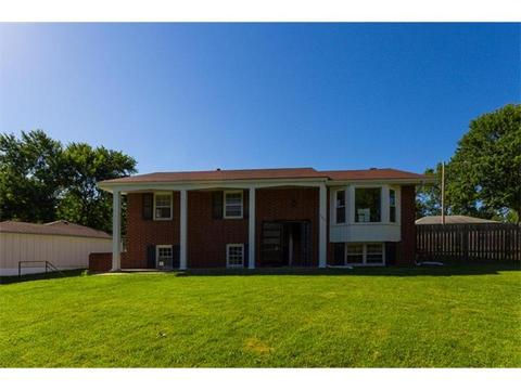 5546 Oliver St, Kansas City, KS 66106