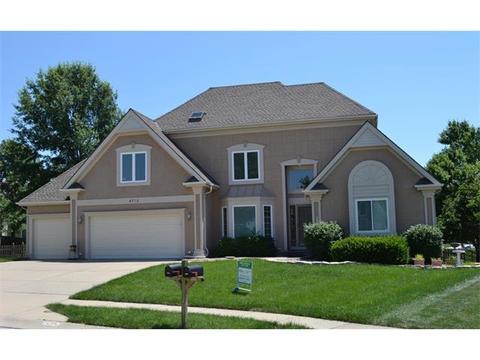 4715 NE Shady Lane Dr, Kansas City, MO 64119