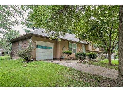 8205 E 105th Ter, Kansas City, MO 64134