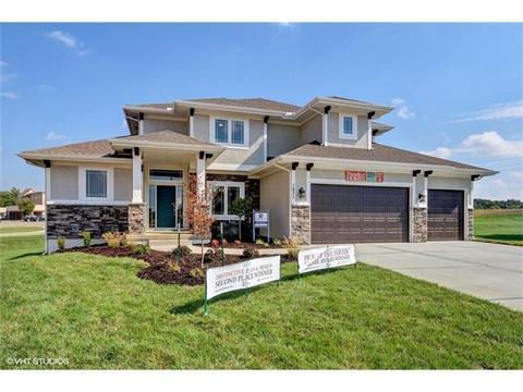 1671 Homestead Pl, Liberty, MO 64068