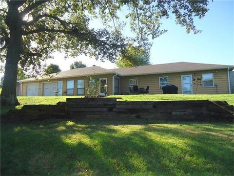 24612 Gabe Travis CirExcelsior Springs, MO 64024