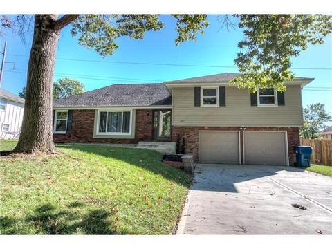 6811 N Woodland AveGladstone, MO 64118