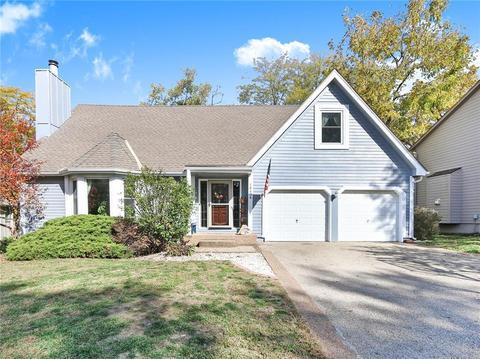 Yellow Barn Estates Olathe Ks Single Family Homes For Sale 16