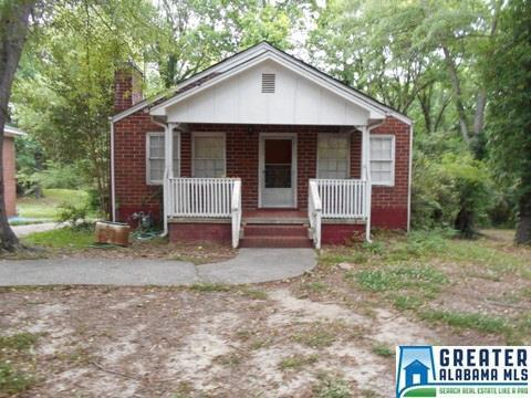 225 Woodland Dr Hueytown, AL 35023