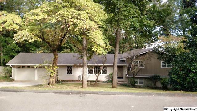 3429 Creek Cir, Guntersville, AL