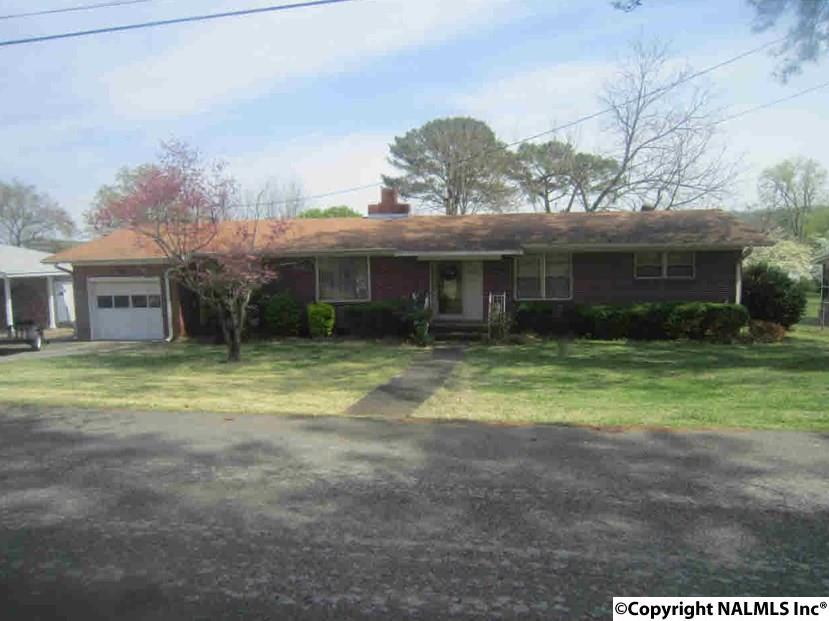 3725 Meadowwood Cir, Guntersville, AL