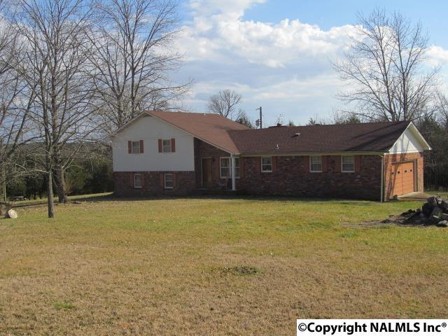 18 Hawthorne Ln, Fayetteville, TN