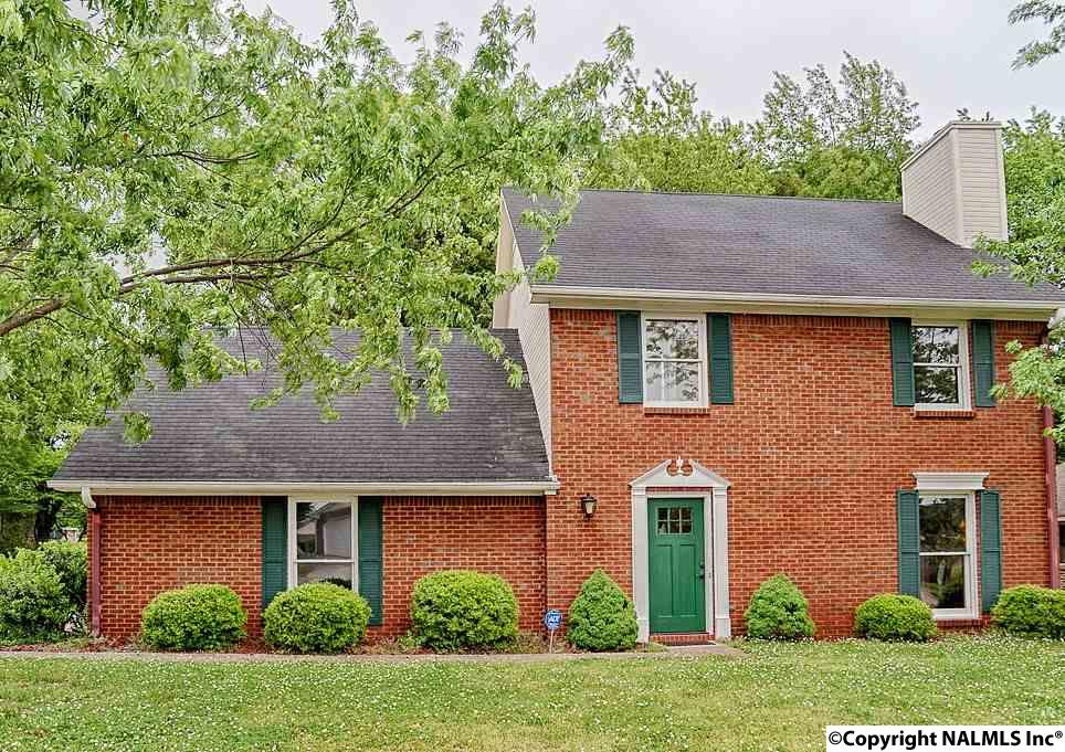 2512 Thornhill Rd, Huntsville AL 35810