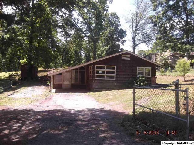 626 Dogwood Ln, Weaver, AL