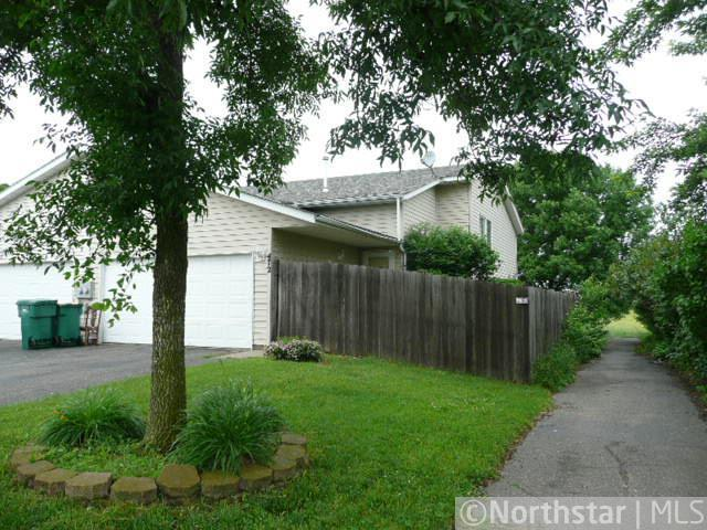 472 Tiffany Dr, Hastings, MN 55033
