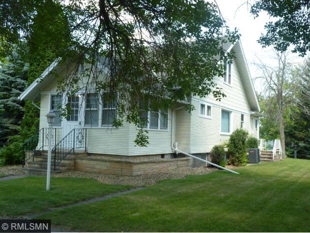 513 N Main St, Winthrop, MN