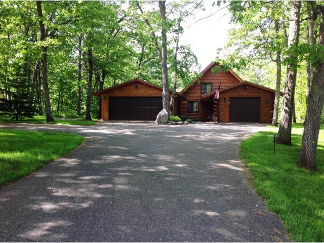 8928 Breezy Point Dr, Pequot Lakes, MN