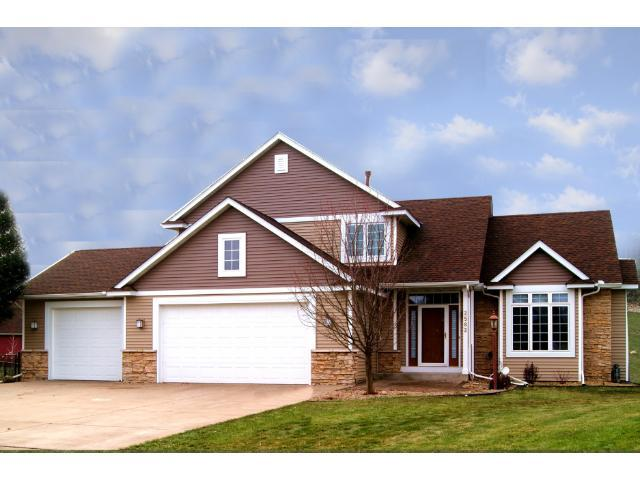 2582 S Park Pl, Hastings MN 55033