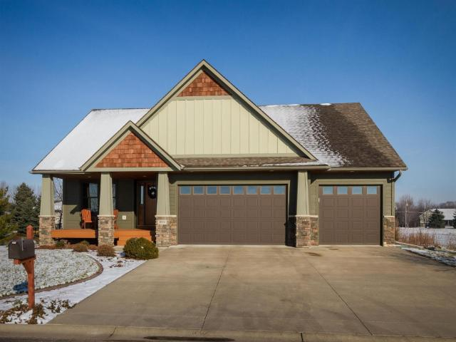 804 Prairie Oak Dr, Belle Plaine, MN