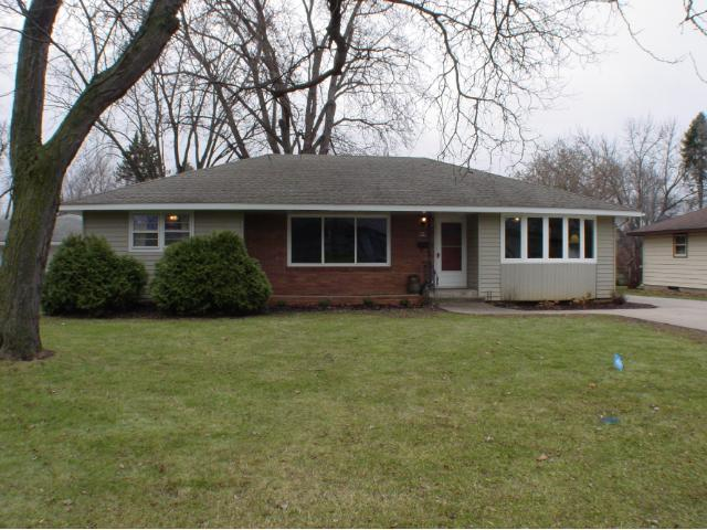 1021 4th St, Hastings MN 55033