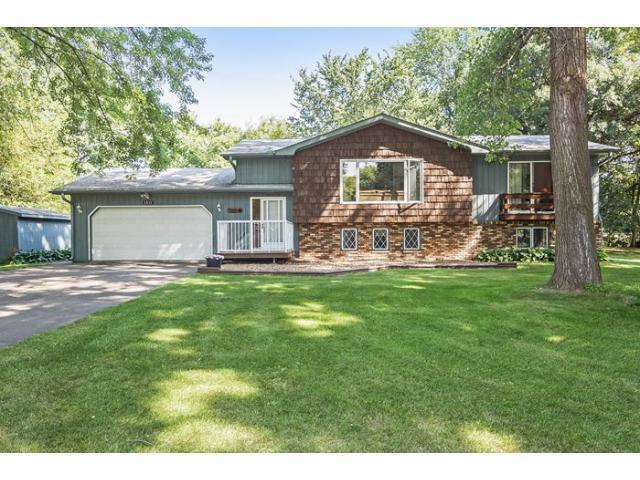 8938 37th St, Lake Elmo MN 55042