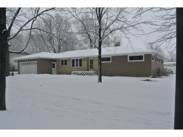 946 Osgood Ave, Hutchinson, MN