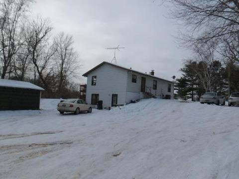 2510 Carver Ave E, Maplewood, MN 55119