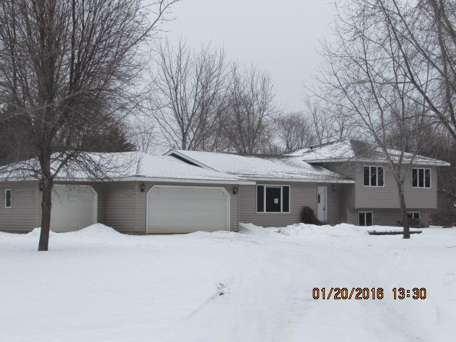 16180 Golfview Rd, New London, MN