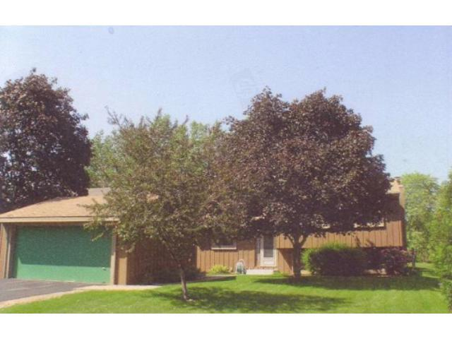 11724 Red Fox Dr, Osseo MN 55369