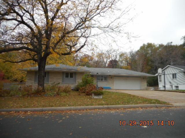 13520 1st Ave, Burnsville MN 55337