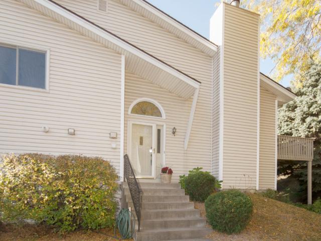 402 Upper Wood Way, Burnsville MN 55337