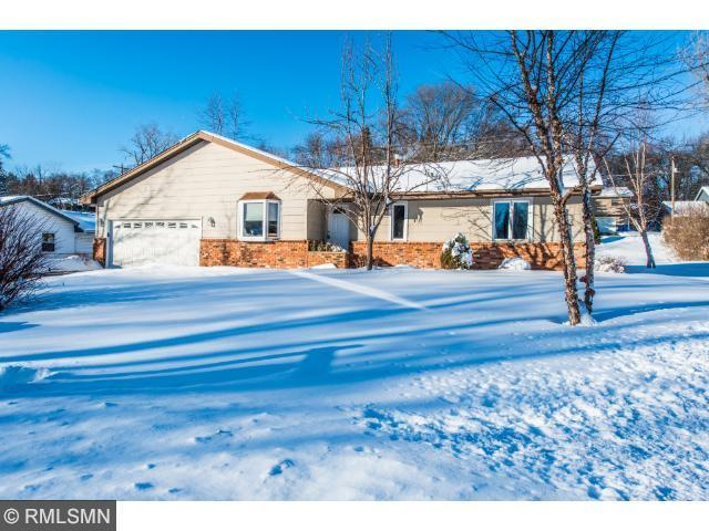 108 Meadow Cir, Burnsville MN 55337
