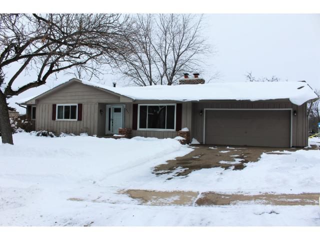 904 E 134th St, Burnsville MN 55337