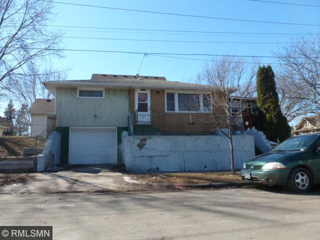 215 Maple St, Saint Paul MN 55106