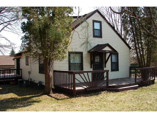 226 S Lake St, Luck WI 54853