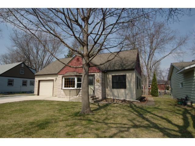 810 5th St, Hastings MN 55033