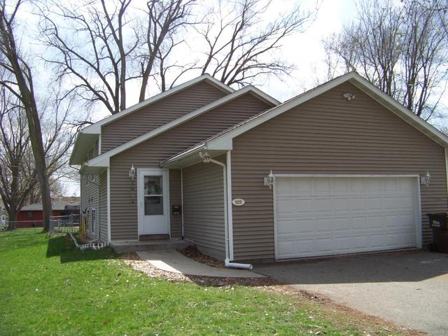 825 6th St, Hastings MN 55033