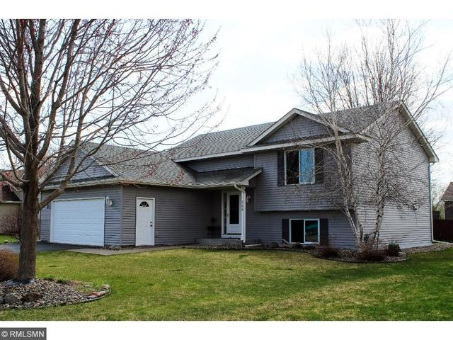 864 S Park Dr, Hastings MN 55033