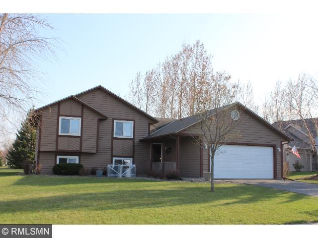 13940 Yosemite Cir, Savage MN 55378