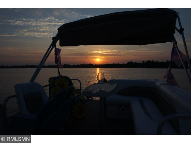 21524 S Lake George Dr, Cedar MN 55011