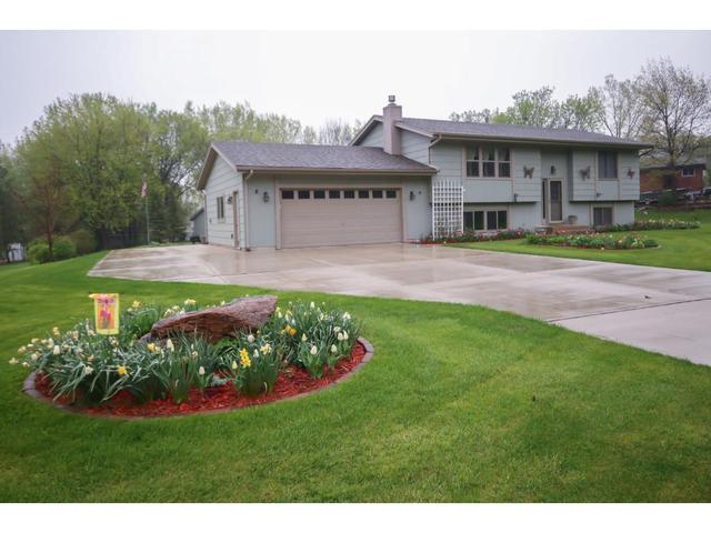 13582 Dan Patch Dr, Savage MN 55378