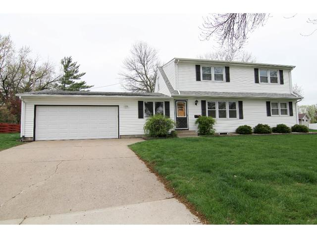 7109 Clayton Ave, Inver Grove Heights MN 55076