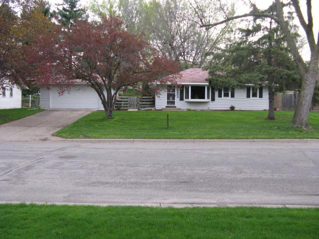 8502 85th St, Cottage Grove MN 55016