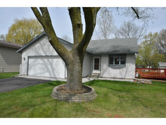 11968 100th Pl, Osseo MN 55369