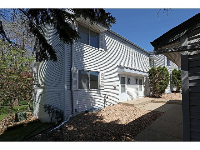 2279 Pond Ave, Saint Paul, MN