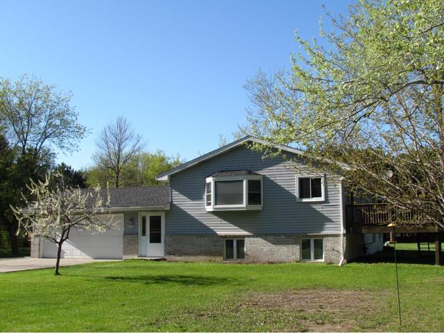 107 221st Ave, Cedar MN 55011