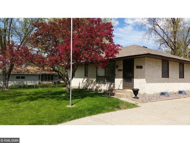 8295 Greenway Ave, Cottage Grove, MN